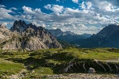 Pieken en vallei in Dolomiet royalty-vrije stock foto's