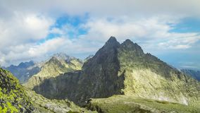Pieken in Hoge Tatras-Bergen, Slowakije stock video