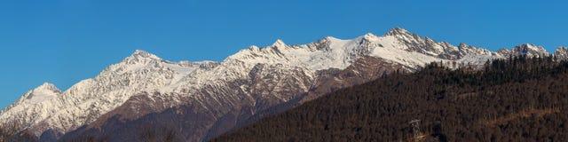 Pieken van de bergketen Stock Afbeelding