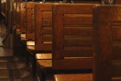 Piektram lege houten zetels Stock Afbeelding