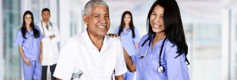 Pielęgniarka i pacjent zdjęcia royalty free