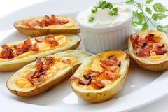 Pieles de patata, aperitivo Fotografía de archivo libre de regalías
