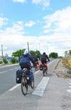 Pielgrzymi na bicyklu w Camino de Santiago Przez De Los angeles Plata, Hiszpania Obrazy Stock