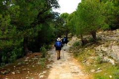 Pielgrzymi w Mozarabic Camino de Santiago, Cerro Muriano, prowincja cordoba, Andalusia, Hiszpania Fotografia Stock