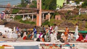 Pielgrzymka święty grodzki Omkareshwar, Madhya Pradesh, India zdjęcie wideo