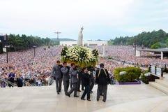 Pielgrzymka Nasz dama Fatima, maryja dziewica Jezus matka, Chrześcijańska wiara, dewotka tłum zdjęcie royalty free