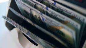 Pieniądze chodzenie w kontuarze, sprawdzać przy bankiem zdjęcie wideo