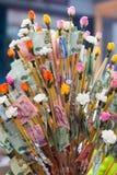 Pieniądze daruje buddyjskim dla świętego Buddha dnia Tajlandia zdjęcia stock