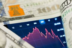 Pieniądze i wykres - wizerunek fotografia royalty free