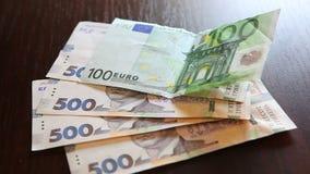 Pieniądze i wymiany walut pojęcie, euro z uah zdjęcie wideo