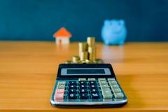 Pieniądze oszczędzania pomysły dla domów, Pieniężni fotografia royalty free