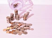 Pieniądze oszczędzania ustawianie z wiązką zmiana Zdjęcie Royalty Free