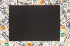 Pieniądze tło z czarnym mockup Copyspace ciemny miejsce dla teksta USA waluty sto banknotów dolarowy tło Pieniężny, zdjęcie royalty free