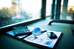 pieniężna analiza miejsce pracy Zdjęcie Royalty Free