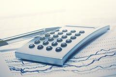Pieniężnej księgowości rynku papierów wartościowych wykresów analiza Obraz Stock