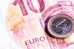 Pieni?dze euro banknoty i monety zdjęcia royalty free