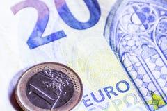 Pieni?dze euro banknoty i monety obraz stock