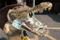 Pieniądze krokodyl Zdjęcia Royalty Free