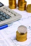 Pieniądze monety, kalkulator Fotografia Royalty Free