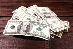 Pieniądze na stole Zdjęcia Stock