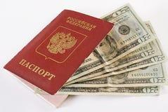 pieniądze target2135_0_ paszportowy rosyjski Zdjęcie Royalty Free