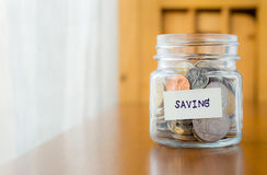 Pieniądze oszczędzanie i pieniężny planowanie Obrazy Royalty Free