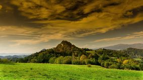 Pieniny-Berge im Herbst stock video footage