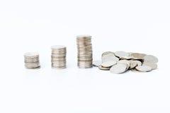 Pieniężny pojęcie pieniądze monety wykresu rozkładu zawalenie się w fail przyroscie Obraz Stock
