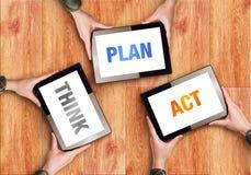 Piense el concepto del negocio del acto del plan Fotos de archivo