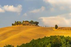 """Pienza, †de Italia """"22 de julio de 2017: Paisaje pintoresco de Toscana de las paredes de la ciudad antigua italiana Pienza Imagenes de archivo"""