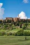 PIENZA, TUSCANY/ITALY - 19 DE MAYO: Vista de Pienza en Toscana en M Imagen de archivo libre de regalías