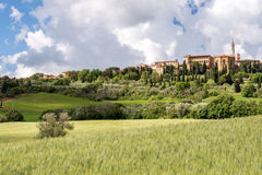 PIENZA TUSCANY/ITALY - MAJ 19: Sikt av Pienza Tuscany på Maj 1 Royaltyfri Bild