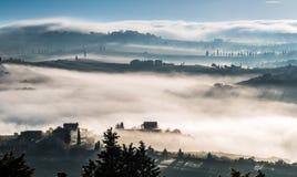 PIENZA, TUSCANY/ITALY - MAJ 22: Wschód słońca nad Val d Fotografia Stock