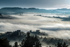 PIENZA, TUSCANY/ITALY - MAJ 22: Wschód słońca nad Val d Obrazy Stock