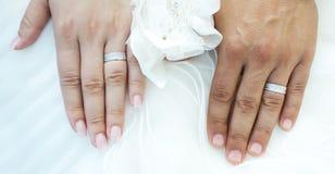 pierścienie za rękę Fotografia Royalty Free