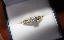 pierścionek zaręczynowy Zdjęcia Stock