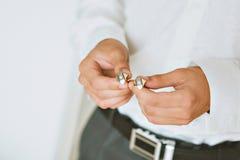 Pierścionek zaręczynowy przy ślubem Fornal widzii pierścionek Obrazy Stock