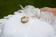 pierścionków poślubiać Fotografia Stock