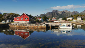 Pier auf den norwegischen Lofoten-Inseln Stockbild