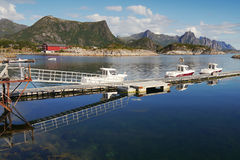 Pier auf den norwegischen Lofoten-Inseln Stockfotografie