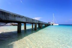 Pier auf Koh Maiton-Insel, Phuket, Thailand Stockbilder
