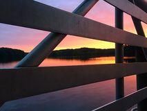 Pier bei Sonnenaufgang Lizenzfreie Stockbilder