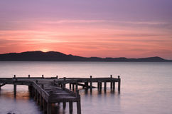 Pier bei Sonnenaufgang, Ost-Thailand Lizenzfreie Stockfotos