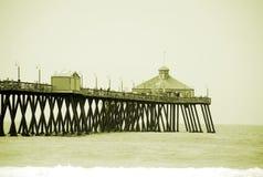 Pier am britischen Strand Lizenzfreie Stockfotografie