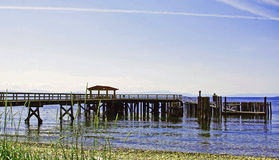 Pier in dem Ozean Stockbild