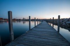 Pier an der Querstadt lizenzfreies stockbild