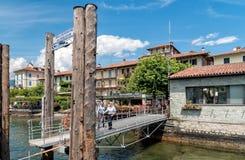 Pier des Eingangs auf dem Fischer Insel oder Isola-dei Pescatori, eine der Borromean-Inseln von See Maggiore in Piemont von Nort Lizenzfreie Stockfotografie