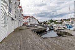 Pier durch das Meer Stockfotografie