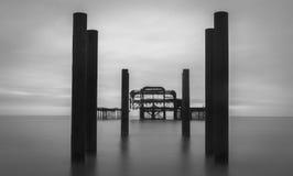 Pier Milky Water Long Exposure del oeste abandonado foto de archivo libre de regalías
