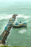 Pier mit Restaurant in Lima, Peru Lizenzfreie Stockfotos